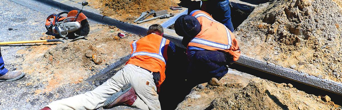 Sumter City Employees Repair a Water Main